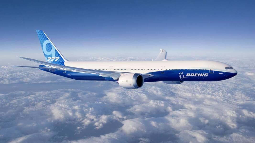 Έκτακτο: Boeing 777 με 200 επιβάτες επιστρέφει στη Μόσχα λόγω ρωγμής σε παράθυρο του πιλοτηρίου