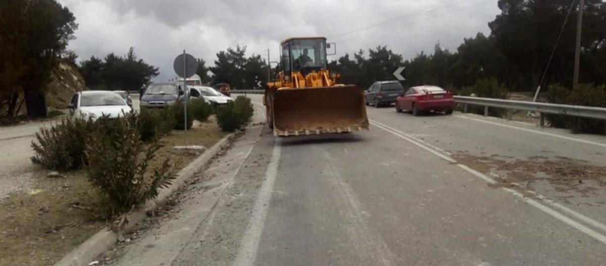 Λέσβος: Έτοιμοι για δεύτερο γύρο συγκρούσεων οι κάτοικοι – Μπλόκα στην εταιρεία ΑΚΤΩΡ (φωτό)