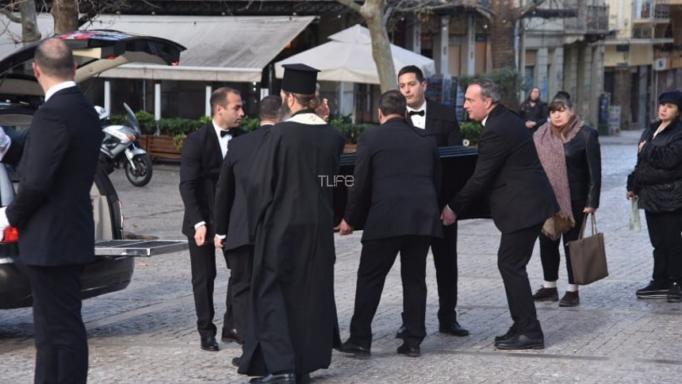 Στο παρεκκλήσι της Μητρόπολης Αθηνών η σορός του Κώστα Βουτσά