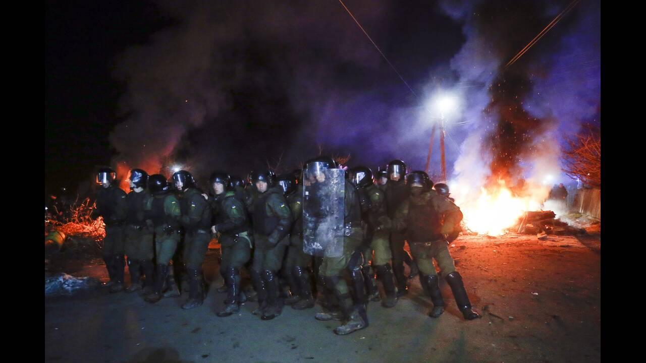 Ουκρανία – Κοροναϊός: Επίθεση σε πούλμαν με επαναπατρισμένους από την Κίνα