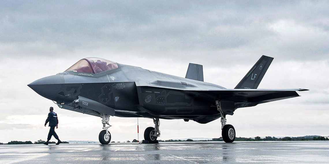 Χτύπημα εκ των έσω για τα F-35: Ο Τραμπ τους «κόβει τα φτερά»