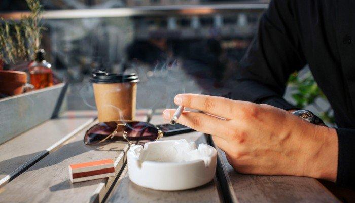 Τελικά στα Χανιά τηρούν τον αντικαπνιστικό νόμο;