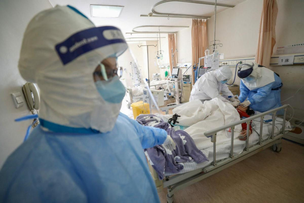 Κοροναϊός: Μετά τα νοσοκομεία, χτίζουν σε λίγες μέρες εργοστάσιο μασκών!
