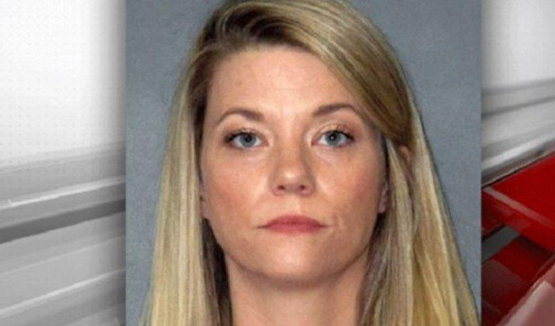Δασκάλα έκανε σεξ με 15χρονο μαθητή της, ενώ το παιδί της ήταν στο σπίτι (pic & vid)