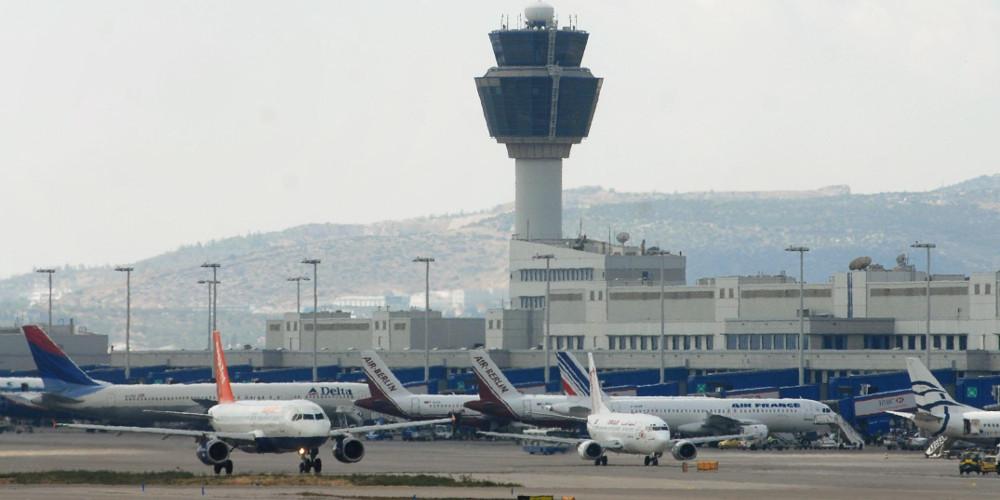 Κορωνοϊός: Επιστρέφουν με πτήση τσάρτερ οι μαθητές από το Λονδίνο