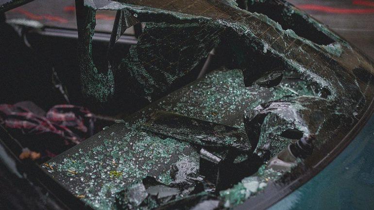 """""""Καρφωμένο"""" σε ελιά το μοιραίο αυτοκίνητο, νεκρή σε άλλο σημείο η άτυχη γυναίκα"""