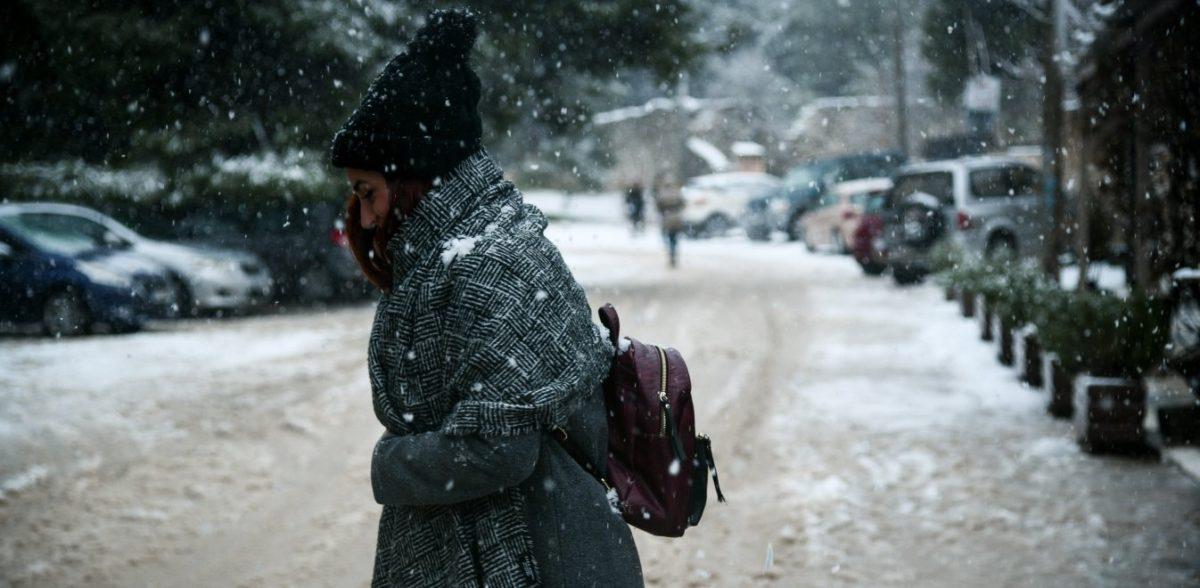 Καιρός: Έρχονται χιόνια σε Αττική και Θεσσαλονίκη – Χιονοκαταιγίδα στα νησιά