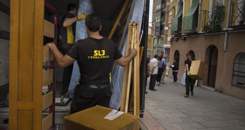 Το σύνδρομο της Ισπανίας απειλεί τους Ελληνες δανειολήπτες