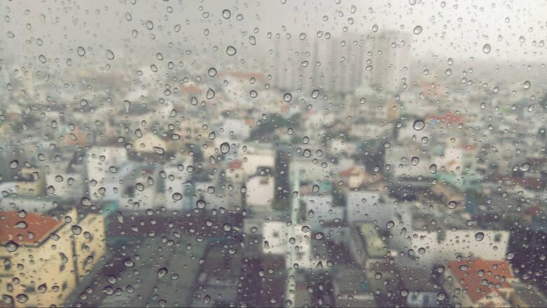 Καιρός: Βροχές και καταιγίδες από σήμερα το απόγευμα