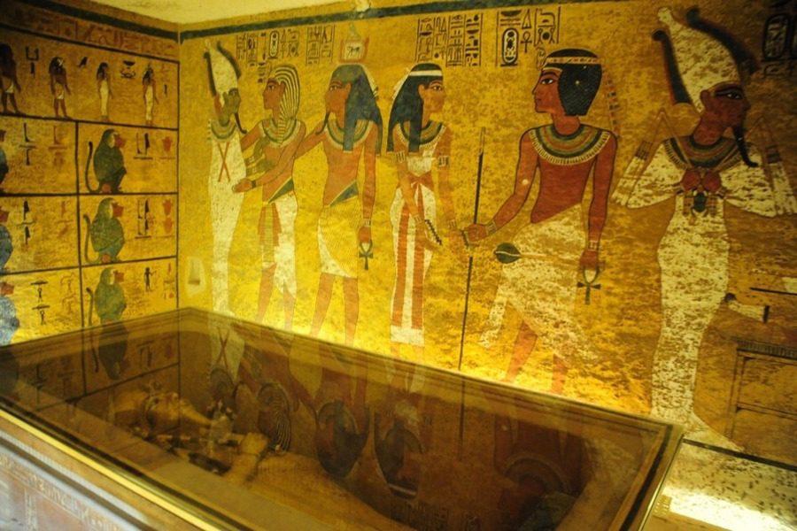 Αιγύπτιοι αρχαιολόγοι υποστηρίζουν ότι βρήκαν τον χαμένο τάφο της Νεφερτίτης