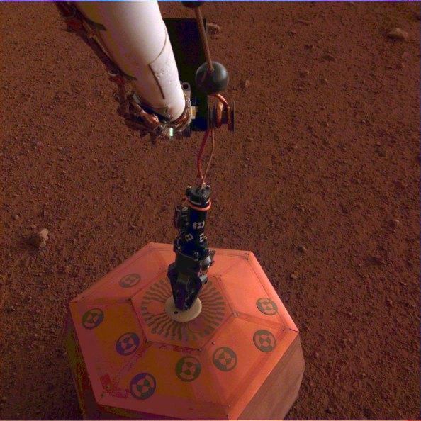 Ο ρομποτικός γεωλόγος InSight της NASA και ο γεωλογικά ενεργός Άρης