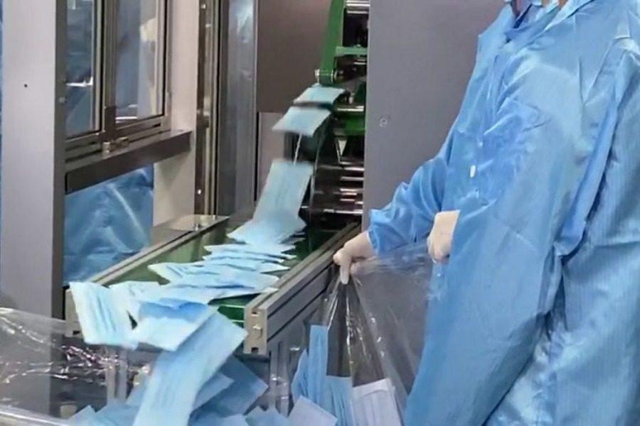 Μέσα στο πιο γρήγορο εργοστάσιο κατασκευής ιατρικής μάσκας