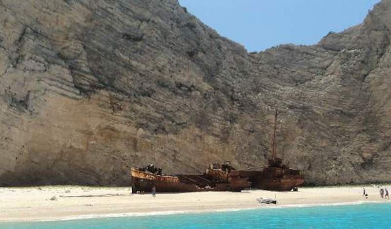 «Θύελλα» αντιδράσεων: Ταξιδιωτική εταιρεία… μετακόμισε το «Ναυάγιο» της Ζακύνθου στην Τουρκία