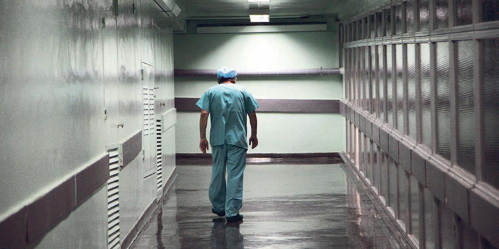 Κορωνοϊός: Αναστολή αδειών σε νοσοκομεία και δομές υγείας