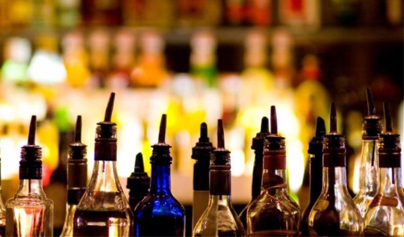 Μεγάλη επιχείρηση για την εξάρθρωση κυκλώματος με ποτά «μπόμπες» – Κατασχέθηκαν 20 τόνοι οινοπνεύματος