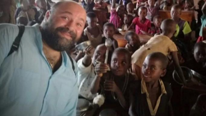 Συγκινητικές στιγμές στο MasterChef – Ο Ιεραπόστολος που μαγειρεύει για παιδάκια στην Αφρική