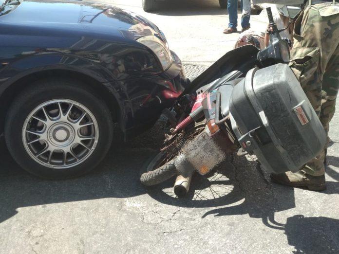 Κρήτη: Τροχαίο με τρεις τραυματίες – Σύγκρουση Ι.Χ. με μηχανάκι