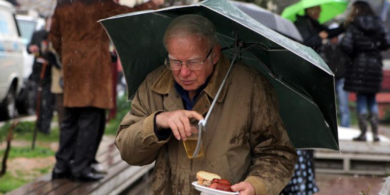 Καιρός: Τσικνοπέμπτη με βροχές, καταιγίδες και χιόνια μέχρι την Πάρνηθα