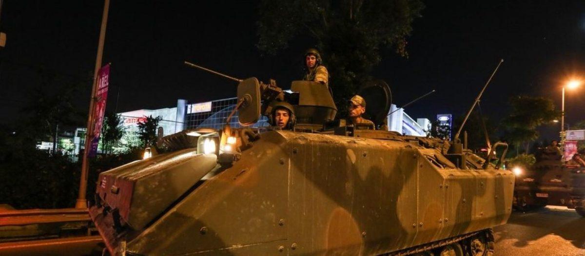 Φήμες για πραξικόπημα κατά Ρ.Τ.Ερντογάν – Εκατοντάδες συλλήψεις στη Τουρκία