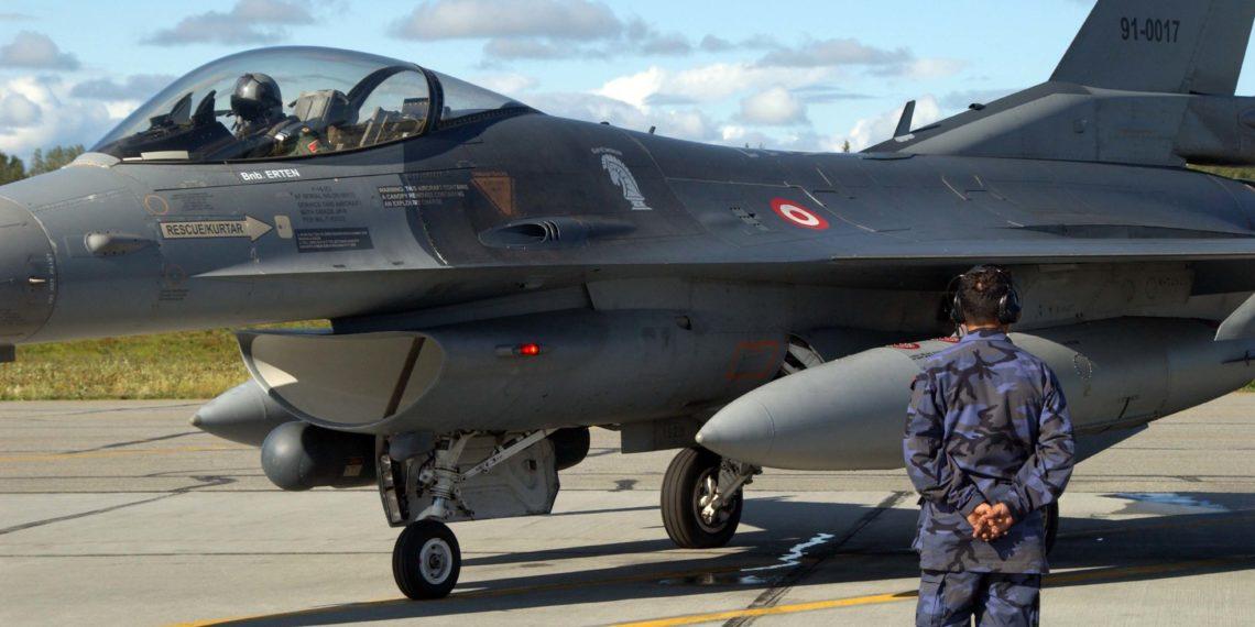 Ο Ερντογάν «φυλάκισε» την Πολεμική Αεροπορία και το πληρώνει στη Συρία
