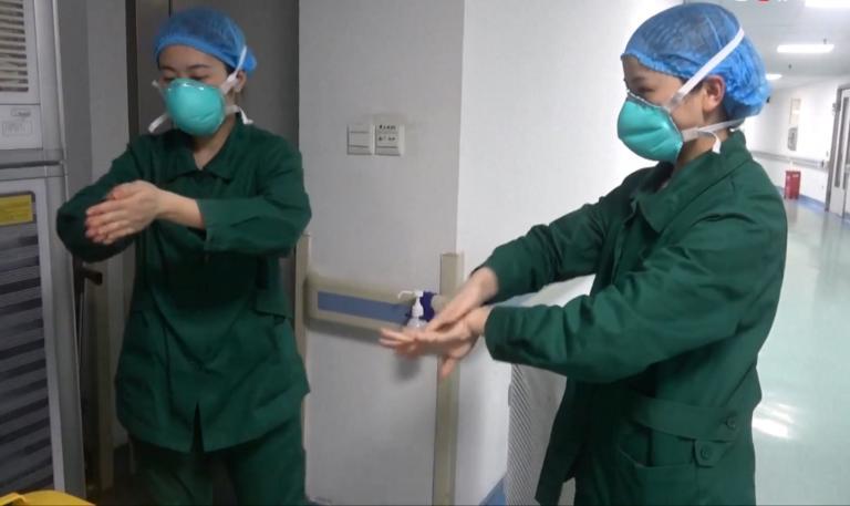Κοροναϊός: Αποκαρδιωτικές φωτογραφίες από τα πρόσωπα των νοσηλευτών στην Γουχάν!