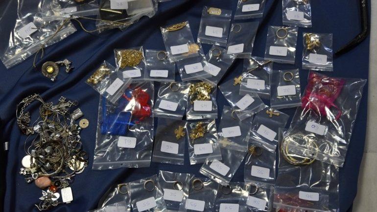 Τα χρυσαφικά που έκλεψαν μπορούσαν να γεμίσουν…κοσμηματοπωλείο