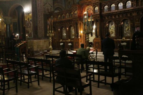 Κορωνοϊός: Κάποιοι δεν έχουν τον Θεό τους – 150 συλλήψεις για παραβιάσεις των μέτρων