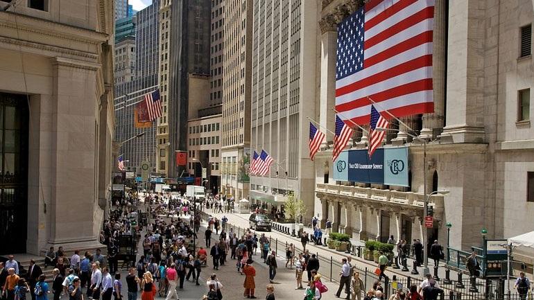 Άλμα 11,3% ο Dow Jones – Tο υψηλότερο από το 1933