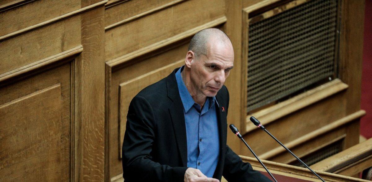 Βαρουφάκης: Δεν μου ανήκει ο λογαριασμός που λέει «ντρέπομαι που είμαι Ελληνας»