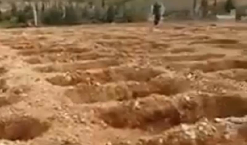Μαζικούς τάφους με εκσκαφέα ανοίγει ο Ερντογάν- Δείτε το βίντεο