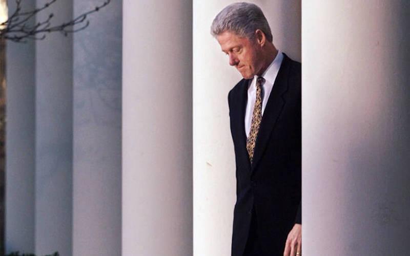 Μπιλ Κλίντον για την ερωτική σχέση με τη Λεβίνσκι: Ήταν μία διέξοδος από το άγχος