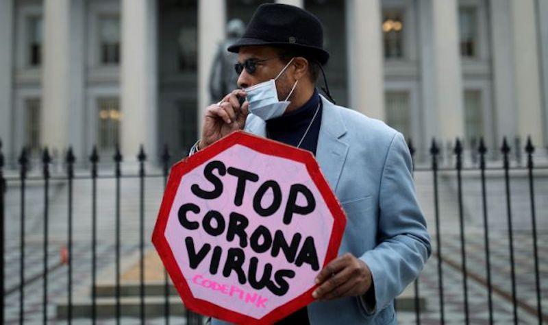 Ζευγάρι στις ΗΠΑ ήπιε χημικό καθαρισμού ενυδρείου για προστασία από τον ιό – Νεκρός ο άνδρας, σε ΜΕΘ η γυναίκα