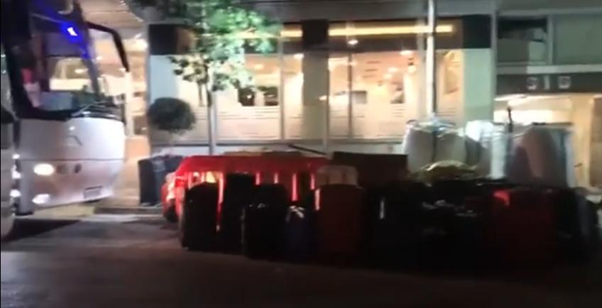 Κορονοϊός: Σε ξενοδοχείο αντί για τα σπίτια τους επαναπατρισθέντες Έλληνες από την Ισπανία (pics & vids)