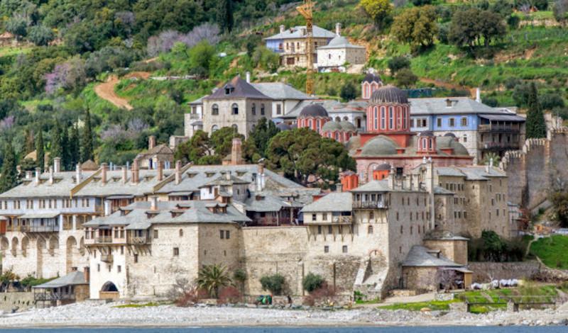 Αγιο Όρος: Θετικοί στον κοροναϊό και άλλες τρεις μοναχοί