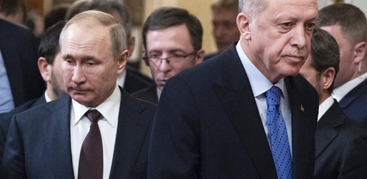 Συνάντηση Ερντογάν-Πούτιν: Ο σουλτάνος αποφεύγει τη χειραψία με τον Ρώσο πρόεδρο