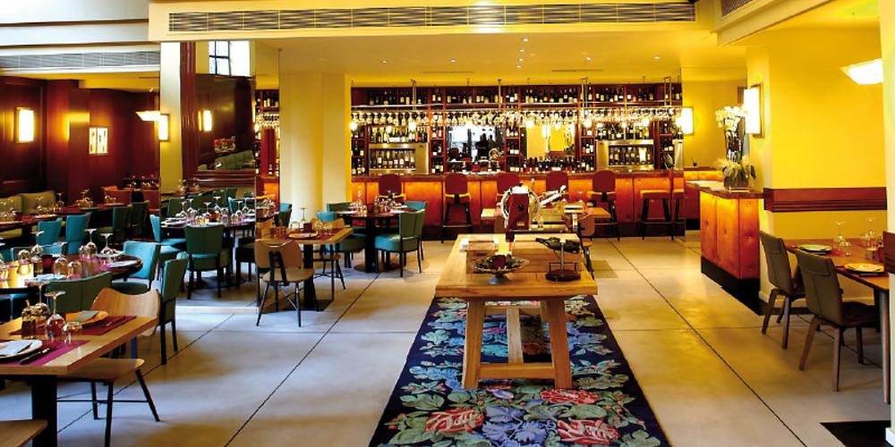 Κορωνοϊός: Πελάτης άφησε 10.000 δολάρια πουρμπουάρ πριν κλείσει το εστιατόριο