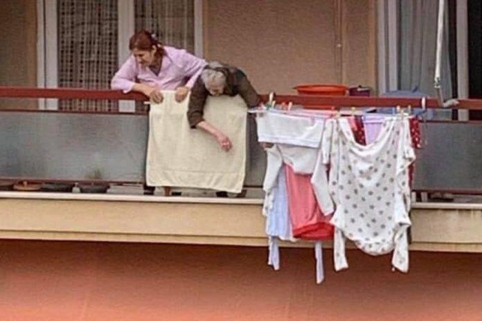 Συγκλονιστικά λόγια αγάπης από το μπαλκόνι της …καραντίνας: «Σε αγαπάμε γιαγιά… σε παρακαλώ μην πεθάνεις»