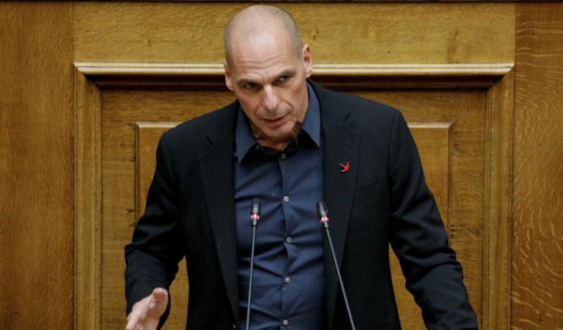 Βαρουφάκης: «Καταδικάζω την στρατιωτικοποίηση, τα τείχη και την εθνική υστερία»