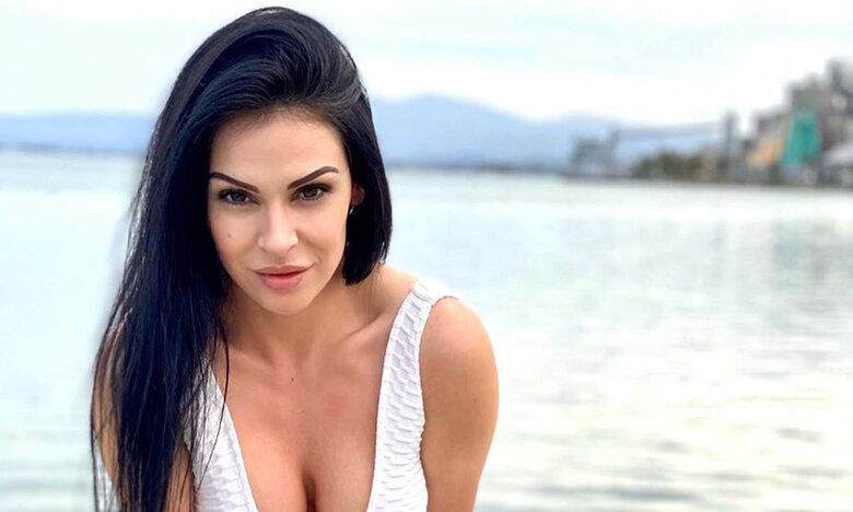 Η πορνοστάρ Ινα ρίχνει το Instagram
