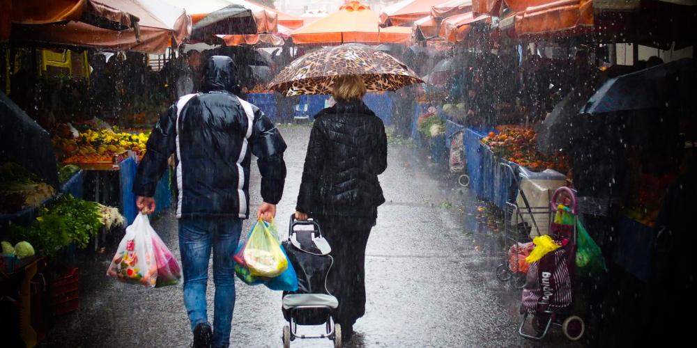 Πρόγνωση καιρού: Καταιγίδες, κρύο και θυελλώδεις βοριάδες την Δευτέρα