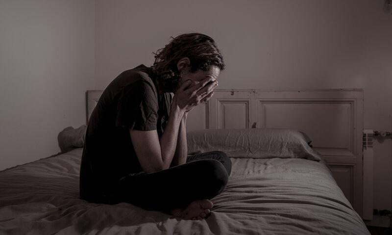 Κατάθλιψη: Με ποια σωματικά συμπτώματα εκδηλώνεται (εκόνες)