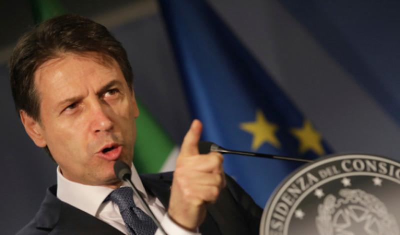 Ο Κόντε προειδοποιεί την Μέρκελ: Βοήθησε, αλλιώς το ευρωπαϊκό οικοδόμημα δεν έχει λόγο ύπαρξης