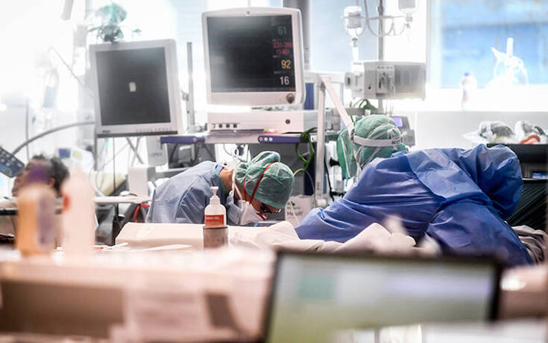 """Σκληραίνουν τα μέτρα στην Ιταλία – Ετοιμάζεται """"Σπιναλόγκα"""" για τους νοσούντες"""
