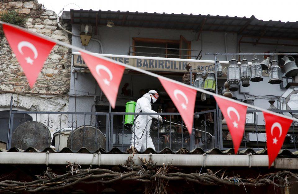 Τουρκία: Στους 214 οι νεκροί και 13.531 τα συνολικά κρούσματα