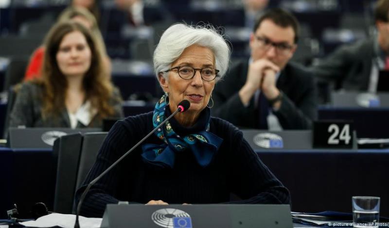 Λαγκάρντ: Θα ήταν παράνομη η απευθείας αγορά κρατικών ομολόγων από την ΕΚΤ