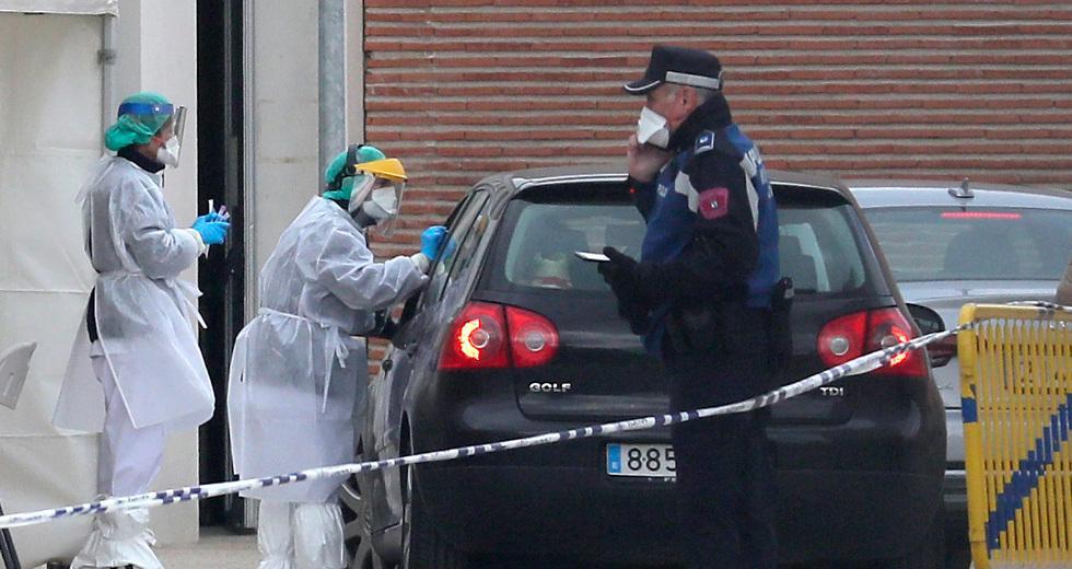 Η Ευρώπη μετράει θύματα, η πανδημία δοκιμάζει συστήματα υγείας και οικονομία