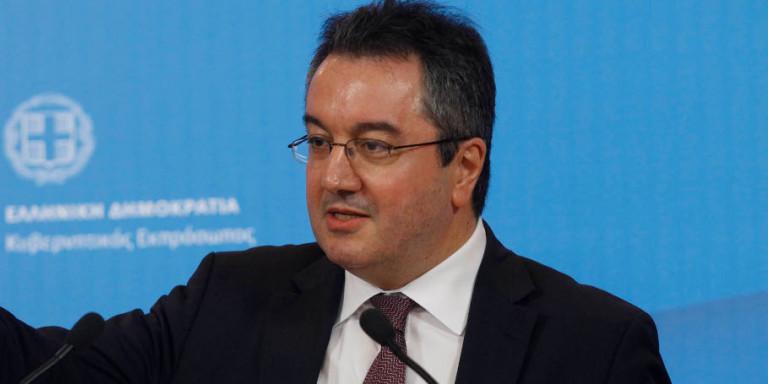 Μόσιαλος: Αυτή είναι η πρότασή μου για τον έλεγχο της πανδημίας