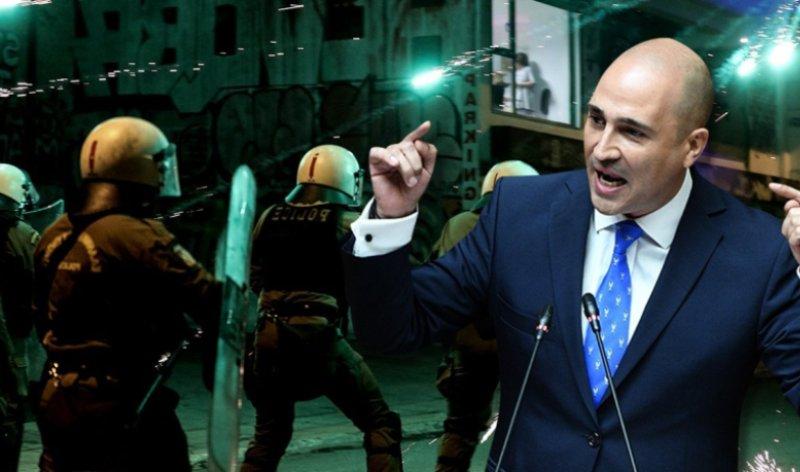 """Κράξιμο Μπογδάνου μετά τη μήνυση – «Όταν μάθετε ανάγνωση και διακρίνετε το """"ΣΥΡΙΖΑ"""" απ´το """"συριζαίοι"""" ίσως σταματήσετε να αυτοξεφτιλίζεστε έτσι»"""
