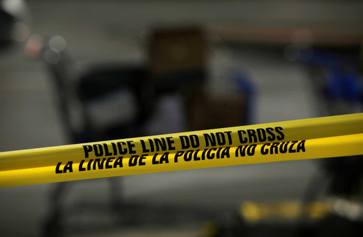 Αστυνομικοί άνοιξαν πυρ και ξυλοκόπησαν πελάτες σούπερ μάρκετ που δεν τηρούσαν την καραντίνα