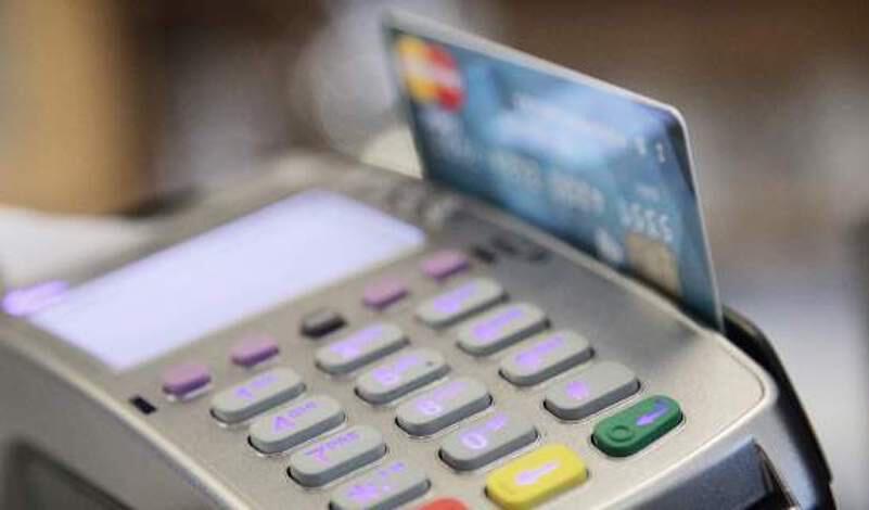 Στα 50 ευρώ «οδεύει» το όριο για τις ανέπαφες συναλλαγές